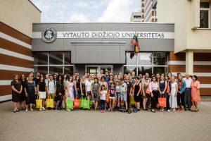 Lietuvių kalba išlaisvina užsieniečius studentus: lietuviškas knygas verčia net Japonijoje | VDU nuotr.