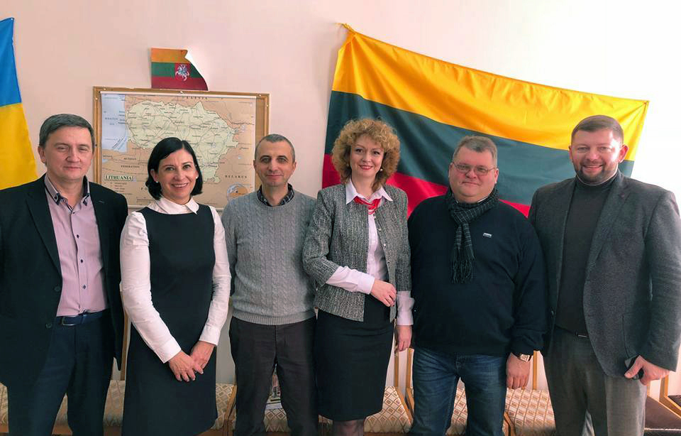 Vilma Leonavičienė su ukrainiečiais   VDU nuotr.
