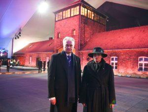 Prezidentas ir pirmoji ponia pagerbė žydų genocido aukas | lrs.lt, R. Dačkaus nuotr.
