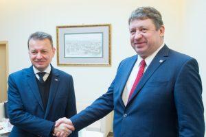 2019 m. lapkričio 22 d. Vilniuje susitikę Lietuvos ir Lenkijos gynybos ministrai | A. Pliadžio nuotr.