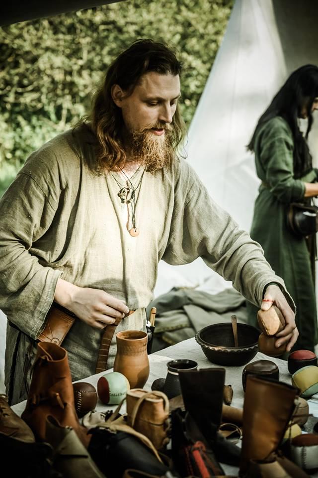 A. Puškorius dalyvauja įvairiose senųjų amatų mugėse, pristatydamas ne tik apavą | Lietuvos nacionalinio muziejaus nuotr.