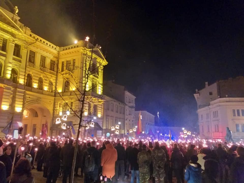 Eitynės su deglais Gedimino prospektu 2020 vasario 16 dieną | D.Biliūno nuotr.