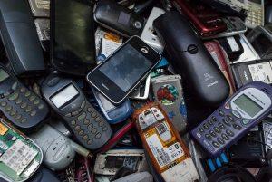 Mobiliųjų telefonų atliekos | EGIO nuotr.