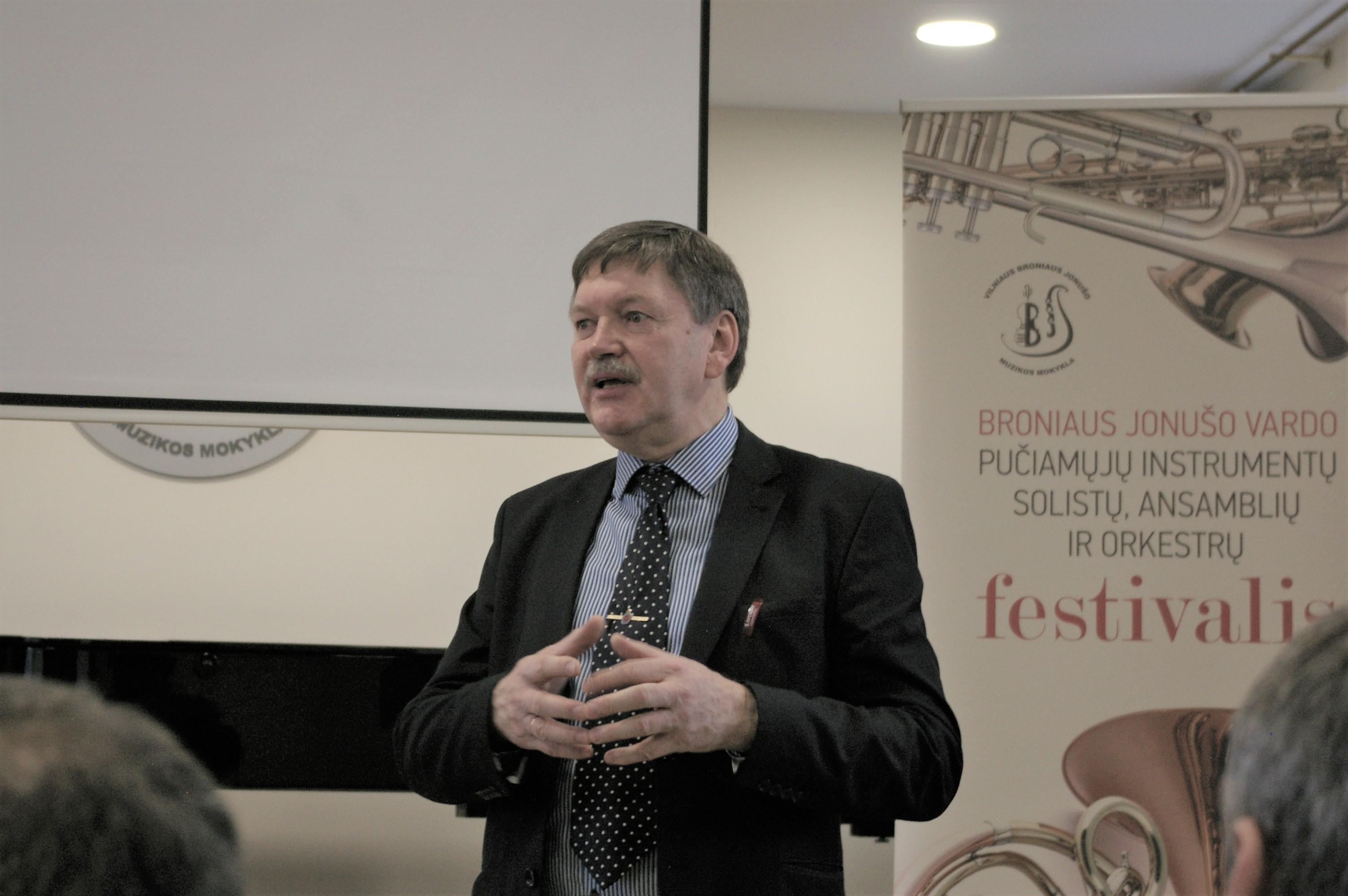 B .Jonušo muzikos mokyklos pučiamųjų metodinės grupės pirmininkas Rimantas Ramanauskas   Alkas.lt, G. Statinio nuotr.