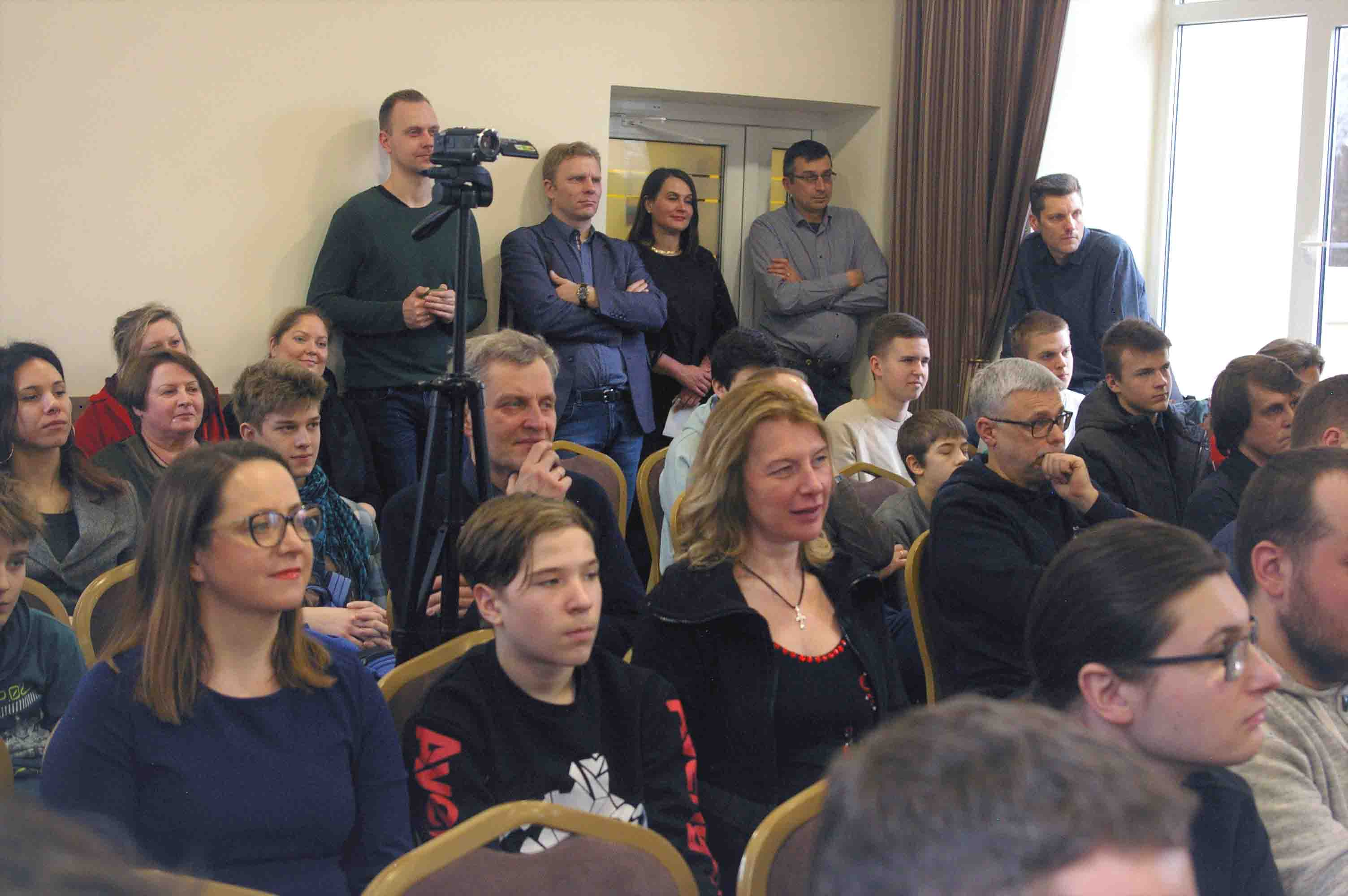 Klausytojai stebi džiazo improvizaciją   Alkas.lt, G. Statinio nuotr.