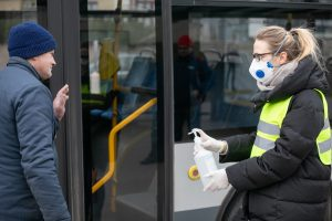 Apsaugos priemonės autobuse | S. Žiūros nuotr.