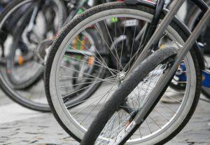 Sunaikinus savo taršų automobilį numatyta išmoka už naują dviratį | lrv.lt nuotr.