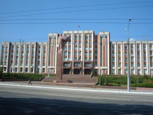 Tiraspolis (Moldavija). Nepripažintos Padnestrės respublikos vyriausybės rūmai | wikipedia.org nuotr.