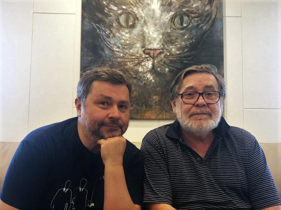 """Knygos autorius Arnas Ališauskas ir knygos herojus Kostas Smoriginas   """"Tyto alba"""" nuotr."""