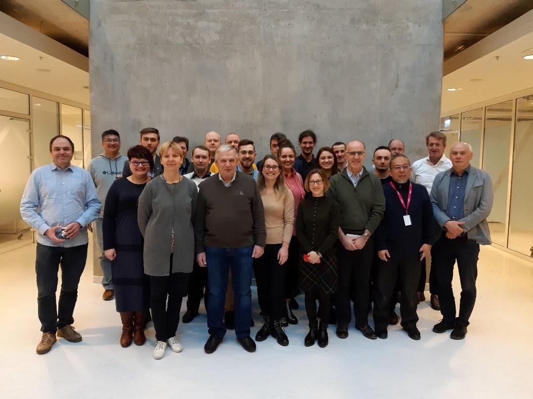 5 pav. Prof. Juozo Vido Gražulevičiaus (pirmas iš dešinės) mokslinė tyrėjų grupė su partneriais iš Vokietijos, Jungtinės Karalystės, Prancūzijos, Baltarusijos, Didžiosios Britanijos, Ukrainos, Taivano, Liuksemburgo | Asm. archyvo nuotr.
