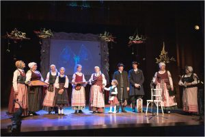 """Folkloro ansamblis """"Aušrinė""""   Liudviko Rėzos kultūros centro nuotr."""