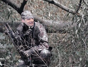 Kęstutis Mažeikai leido medžioti su lanku | Alkas.lt koliažas