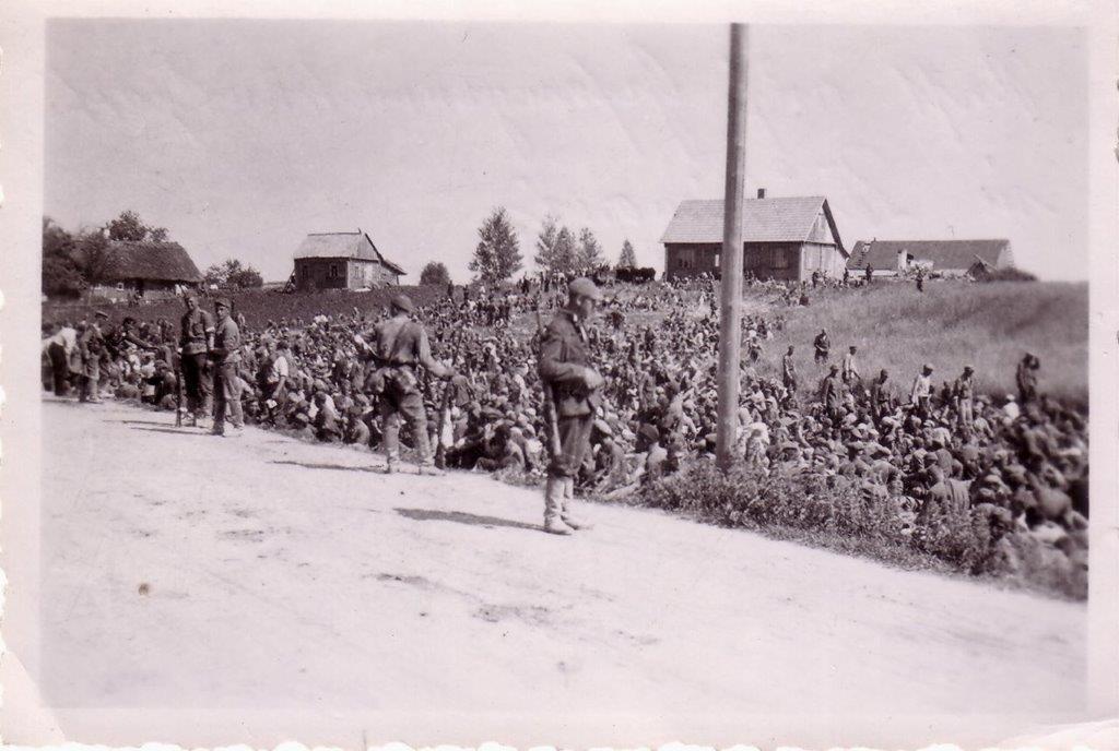 Į nelaisvę paimti sovietų kareiviai | LGGRTC nuotr.