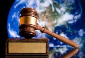 Į antstolių ir notarų garbės teismus įtraukti ir visuomenės atstovai | lrv. lt nuotr.