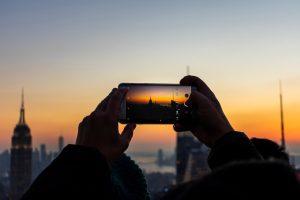 4 žingsniai, kaip užsidirbti iš telefonu darytų nuotraukų | Unsplash.com nuotr.