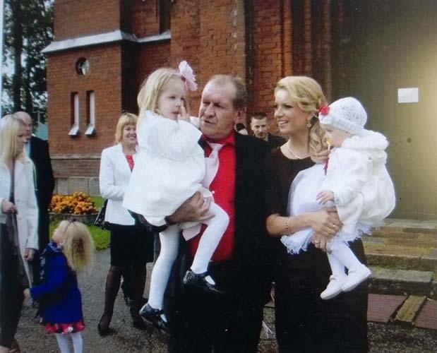 Kostas Kynas su Monika ir jos dukromis | K. Kyno nuotr.