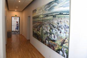 Žalgirio mūšio sukaktuvėms paminėti Krašto apsaugos ministerijoje pristatomas dailininkės L. Tubelytės-Kriukelienės paveikslas | L. Kalvaitis, KAM nuotr.