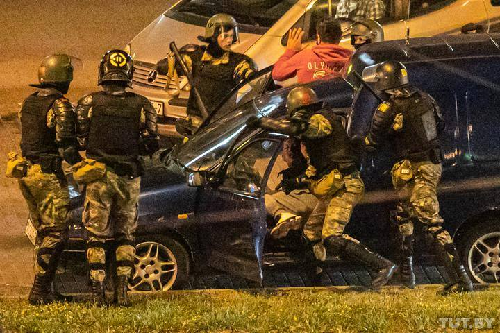 Jėgos struktūrų smurtas prieš taikius gyventojus tebesitęsia | TUT.by nuotr.