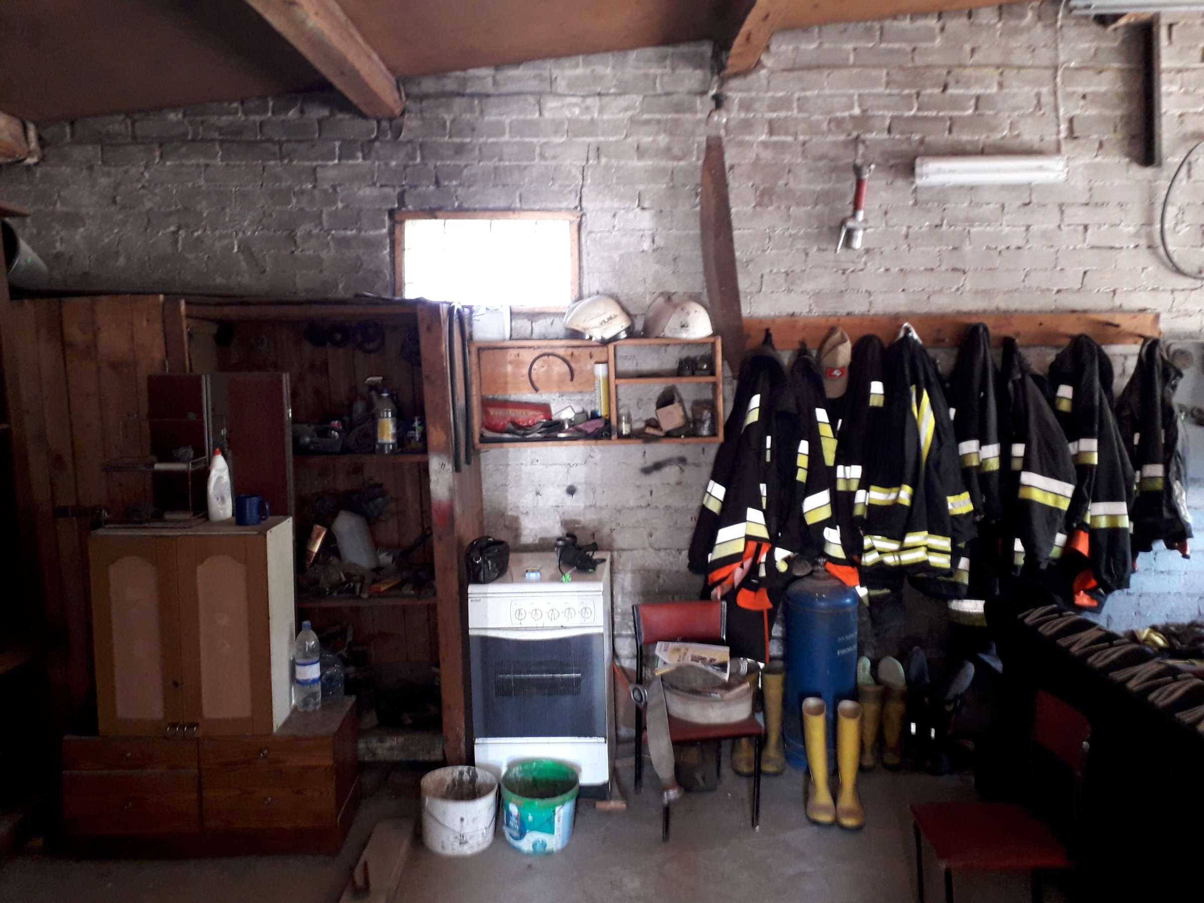 Stakliškių gaisrininkai priversti glaustis lūšną primenančiose patalpose | sandrauga.lt nuotr.