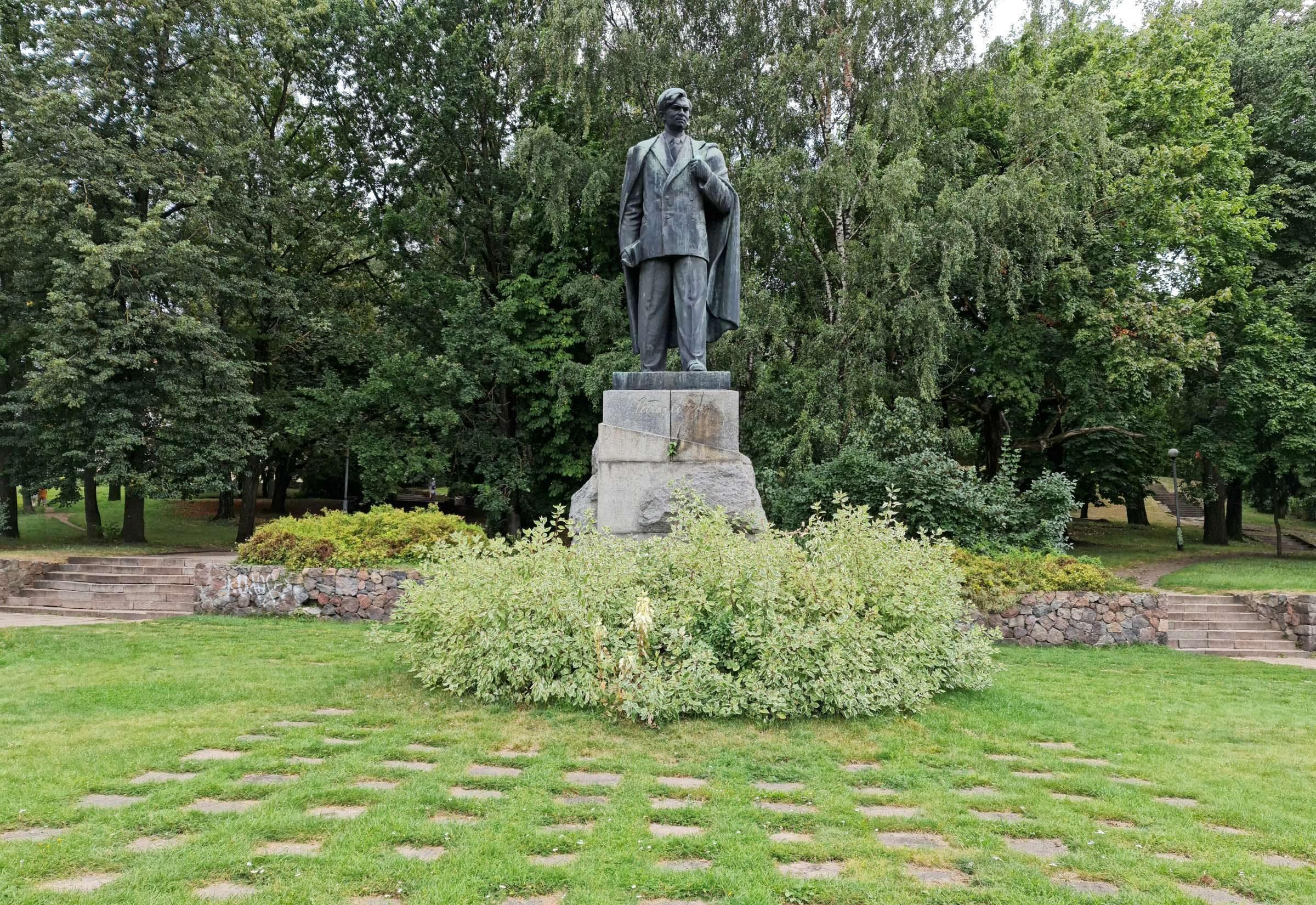 P. Cvirkos paminklas Vilniuje | V. Baltrūno nuotr.