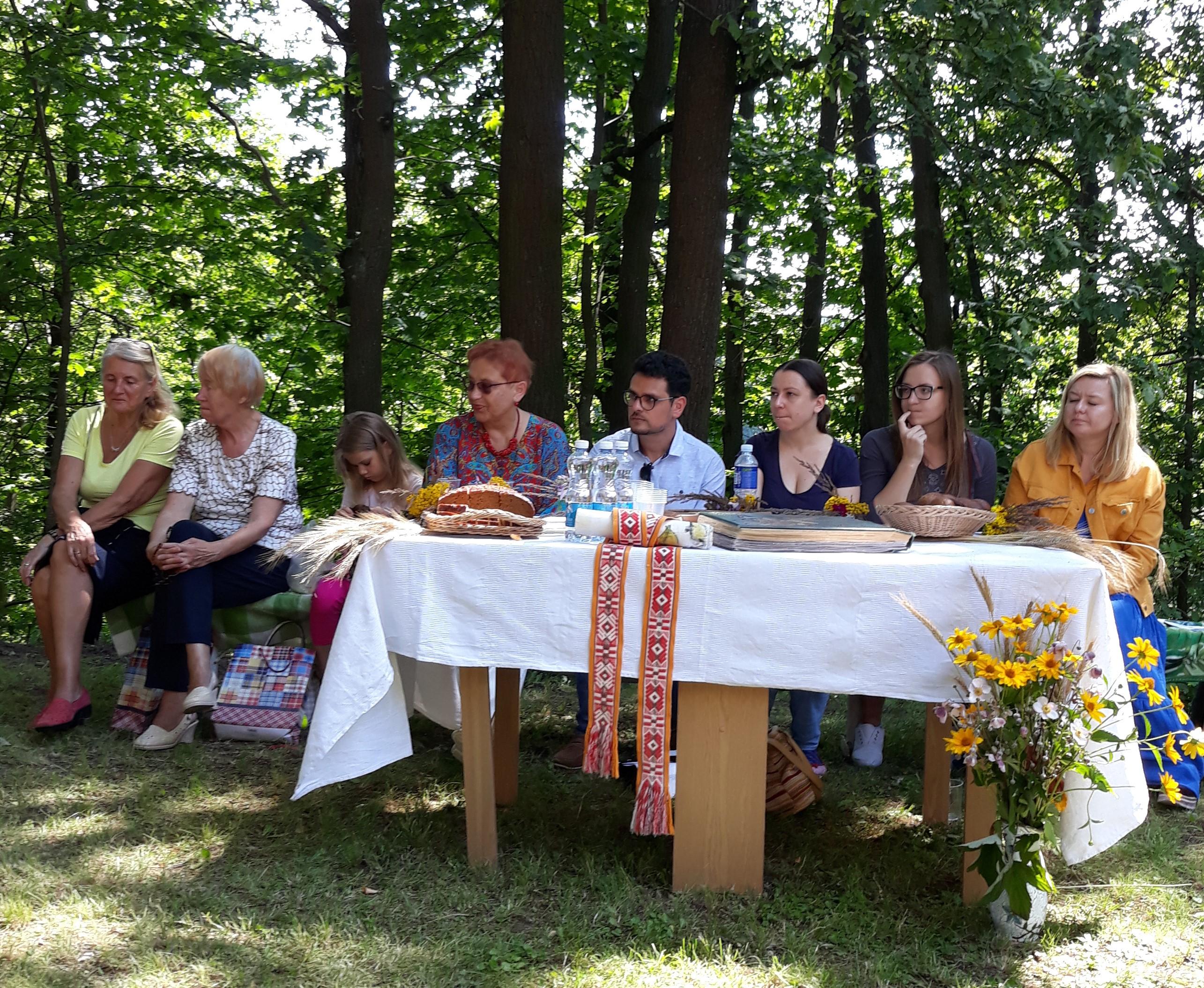 Poetų stalas | R.Jasukaitienės nuotr.