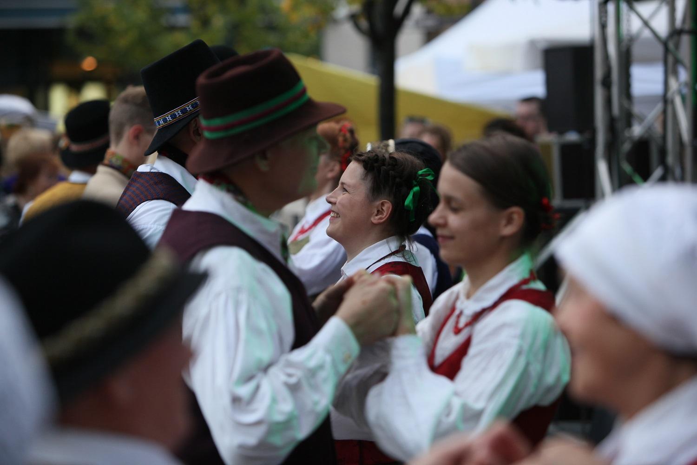 """Renginys """"Visa Lietuva šoka"""" kvies pajusti liaudies šokio smagumą   LNKC nuotr."""