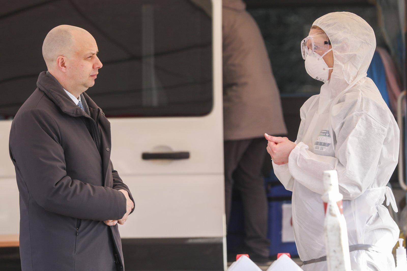 Sveikatos apsaugos ministrui Aurelijui Verygai visuomenė turi daug pretenzijų dėl perteklinių draudimų, ribojimų koronaviruso pandemijos metu | Eltos nuotr.