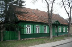 Vilnius, Žvėrynas, Dionizo Poškos 27. Namo vaizdas iš pietvakarių | A. Stabrausko nuotrauka
