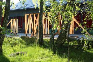 Neringos miško architektūra, 2020. Medienos džiovinimo pastogės statyba | J. Žukausko nuotr.