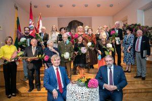 Panevėžio Juozo Balčikonio gimnazijoje laimėtojams buvo įteikti Gabrielės Petkevičaitės-Bitės atminimo medaliai | Rengėjų nuotr.