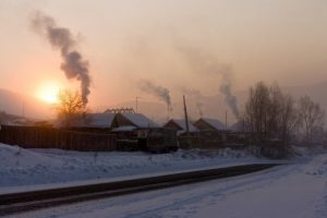 Šildantis svarbu neužmiršti, jog atliekų deginti negalima | Shutterstock nuotr.