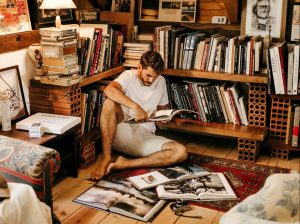 Knygos pigiau nei kelionės | pexels.com, J. Borba, nuotr.