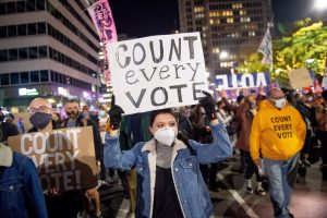 Protestai Amerikos gatvese netrukus peraugo i riaušes, taciau tai tik ilgo proceso pradžia | EPA-Eltos nuotr.
