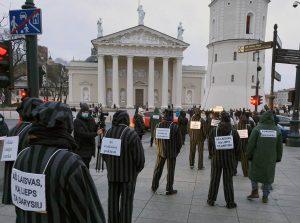 Akcija prieš prisidengiant koronavirusu vykdomus žmogaus teisių suvaržymus | Alkas.lt nuotr.