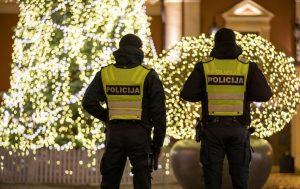 Pareigūnai įspėja saugiai naudoti pirotechniką   policija.lt nuotr.