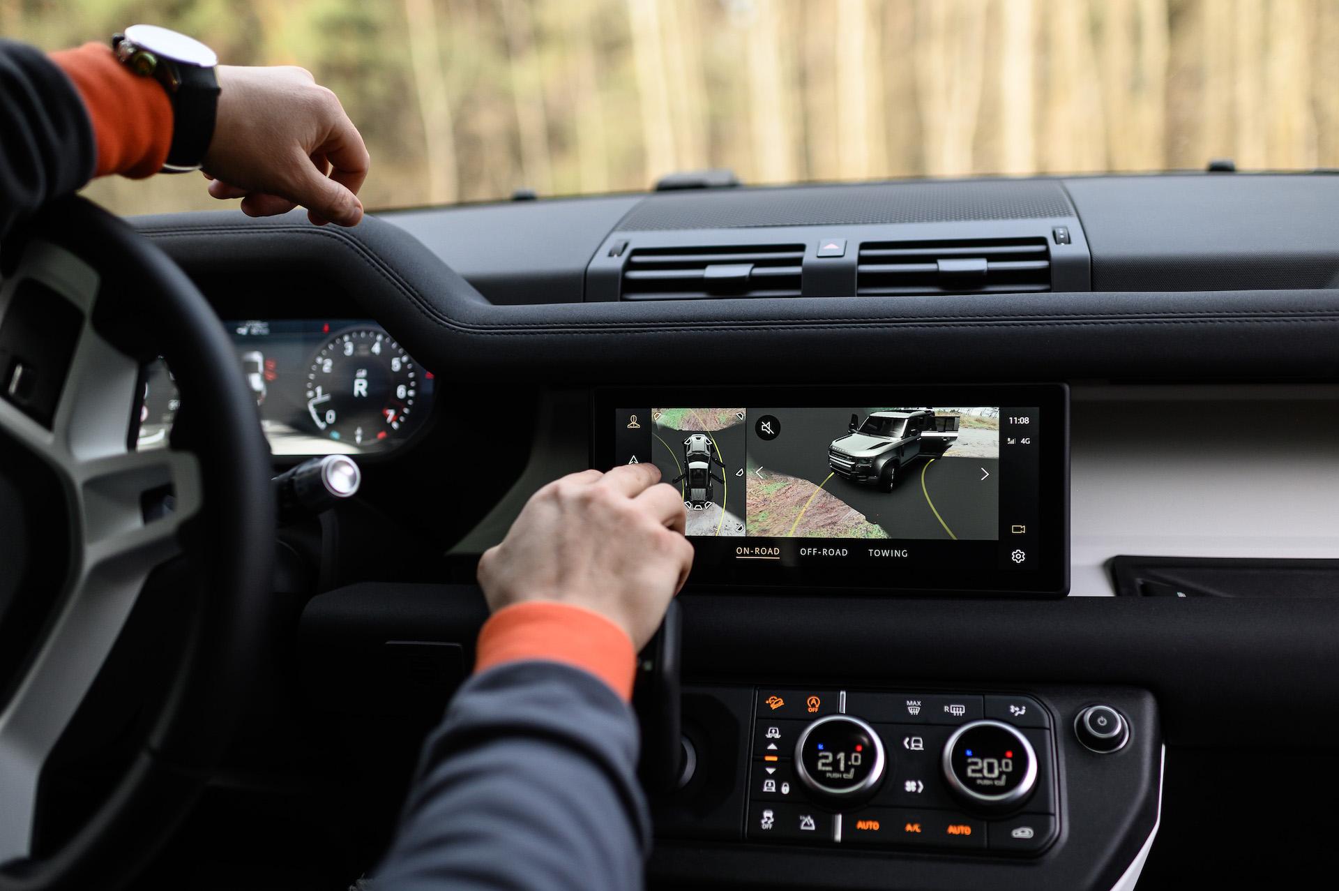 Antanas Juknevičius išbando Land Rover Defender 15   Asmeninė nuotr.