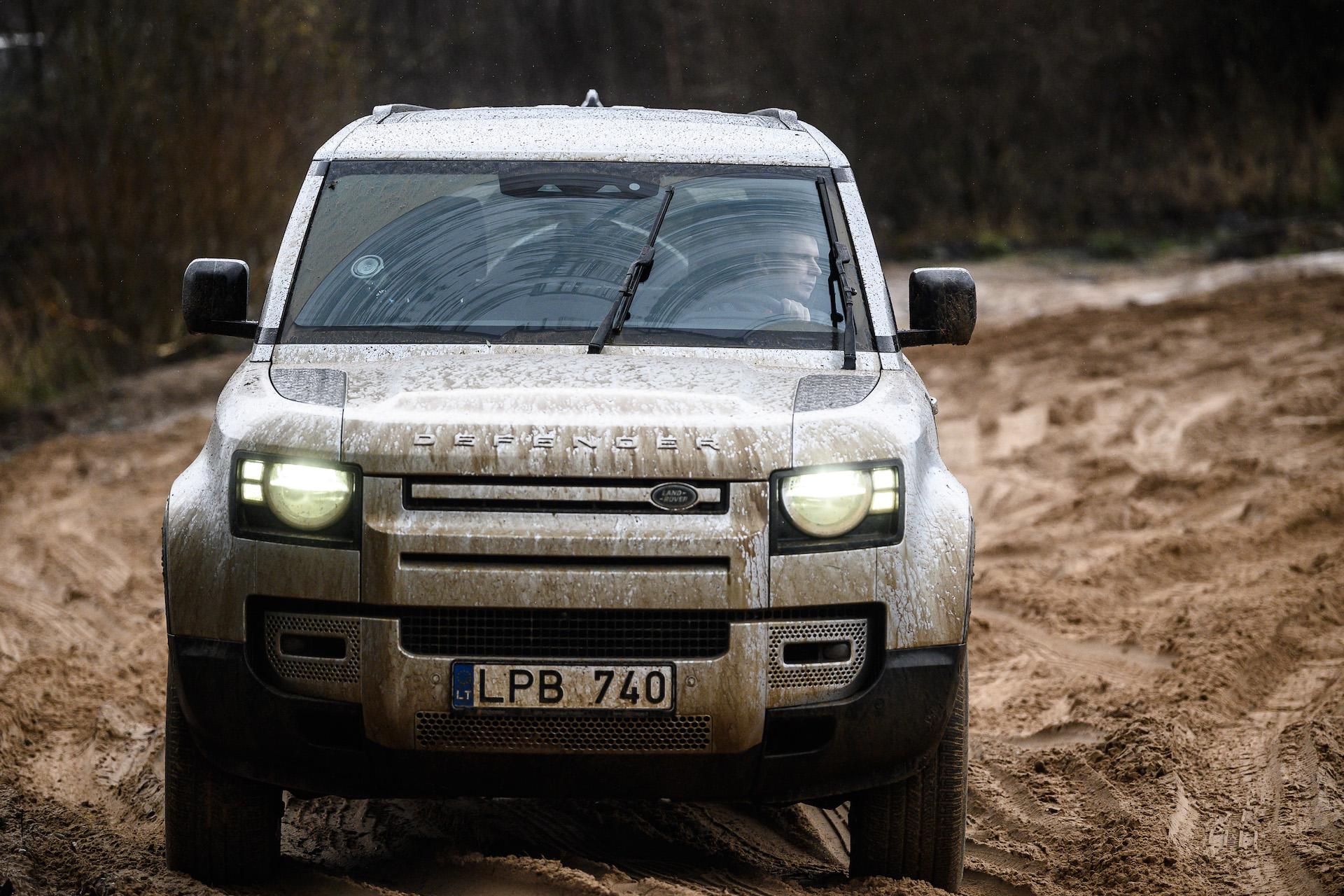 Antanas Juknevičius išbando Land Rover Defender 21   Asmeninė nuotr.