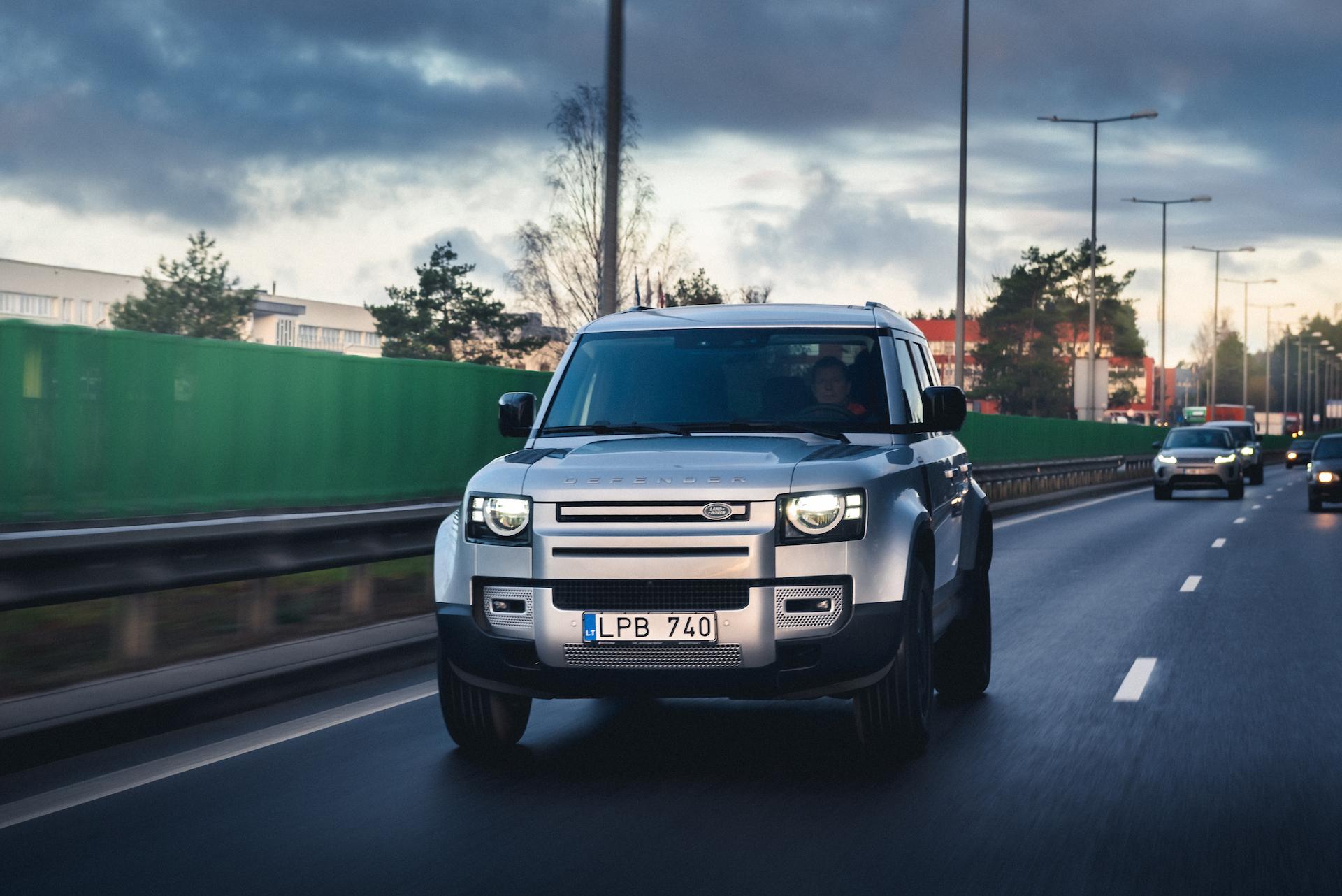 Antanas Juknevičius išbando Land Rover Defender 32   Asmeninė nuotr.