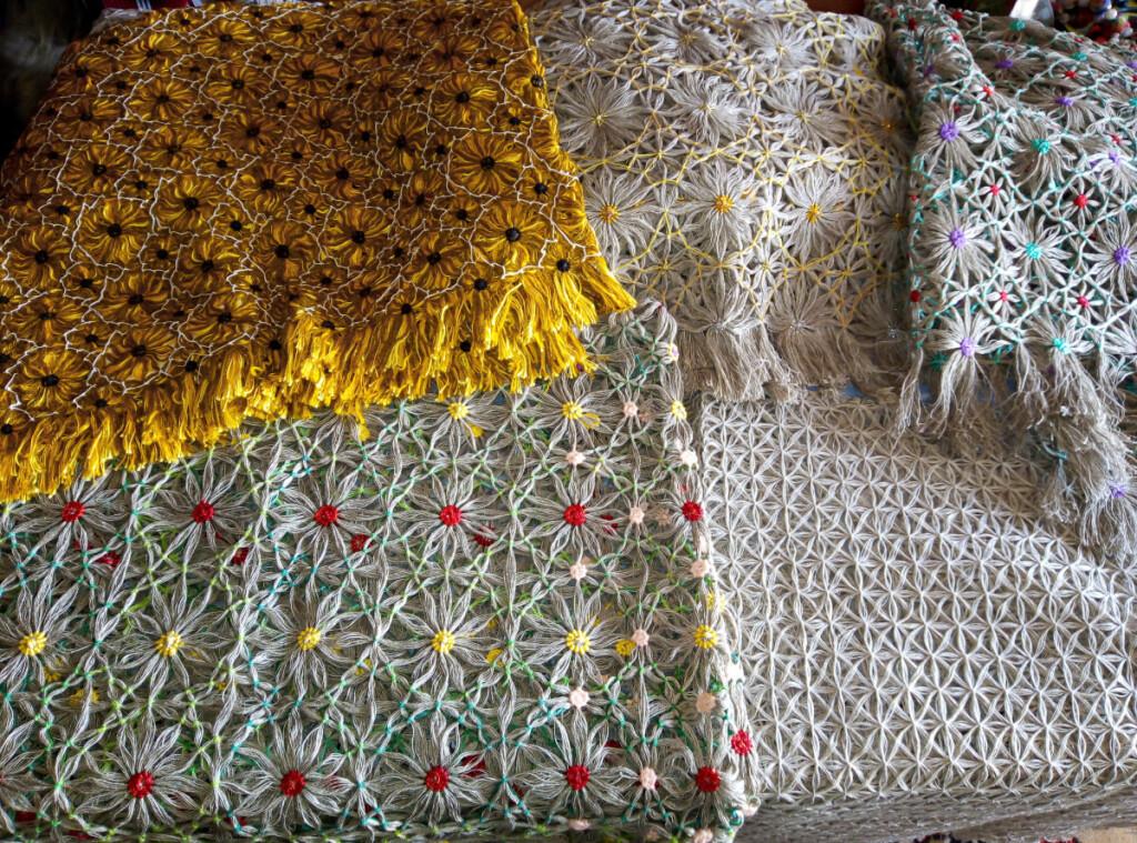 Vandos Narbutaitės-Leščiovos rištinės staltiesės   Asmeninio archyvo nuotr.