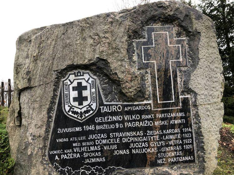 Veiverių skausmo kalnelyje įamžintas Tauro apygardos partizanų atminimas   punskas.pl nuotr.