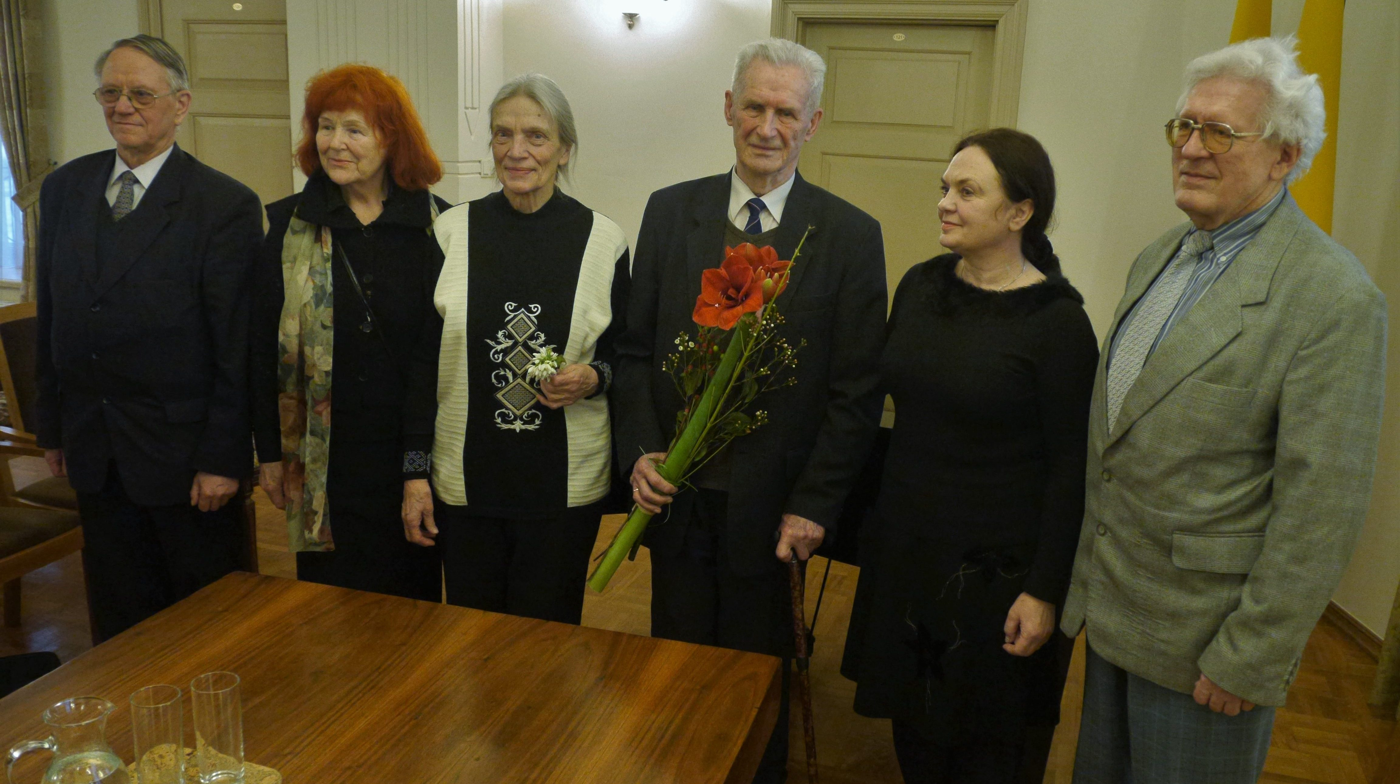 dr. Kazys Napaleonas Kitkauskas sveikinamas po Vasario 16-osios akto signataro Donato Malinausko kultūros premijos įteikimo 2017 m. kovo 11 d. | Alkas.lt, J. Vaiškūno nuotr.