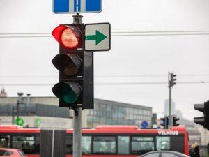 Šviesoforas, žalia rodyklė | vilnius.lt S. Žiūros nuotr.