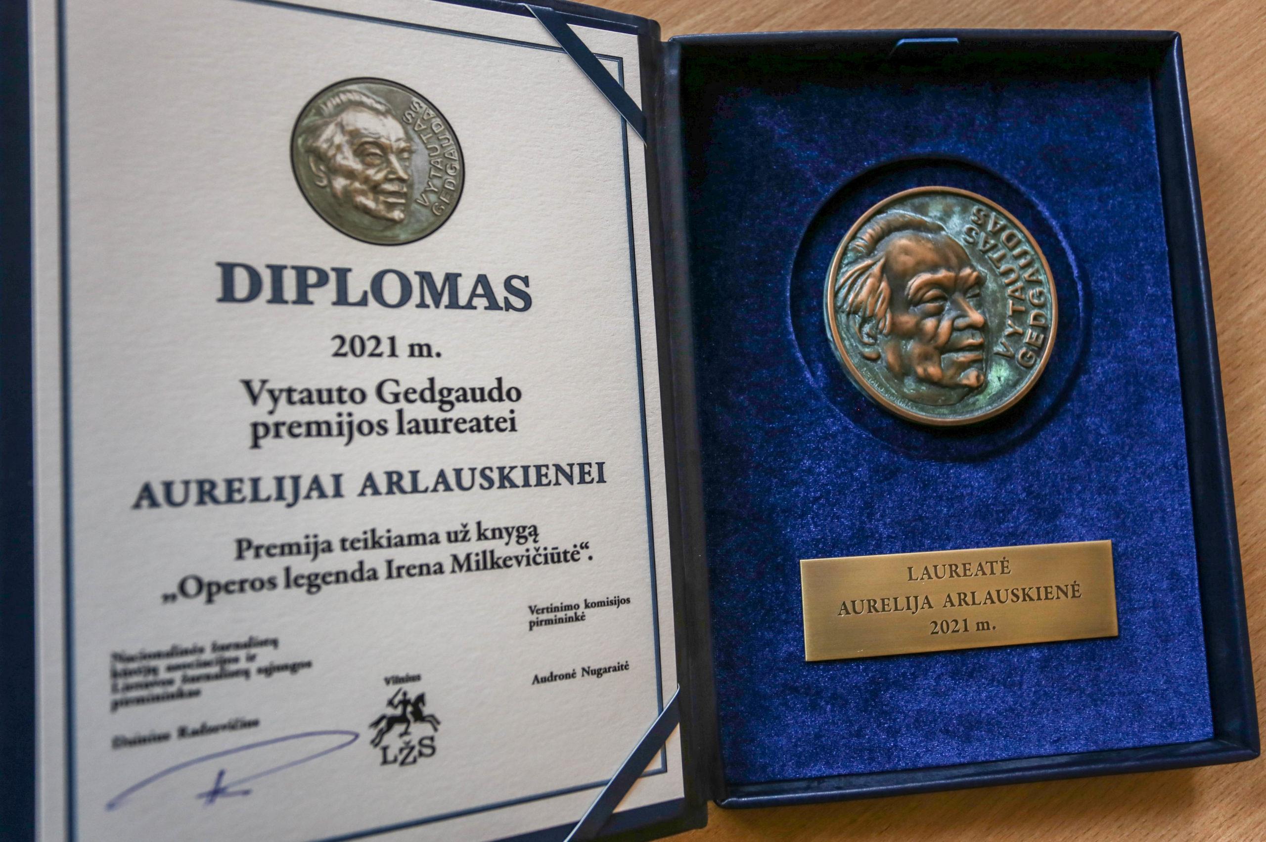 Vytauto Gedgaudo apdovanojimo diplomas ir medalis skirtas Aurelijai Arlauskienei   Alkas.lt, A. Sartanavičiaus nuotr.