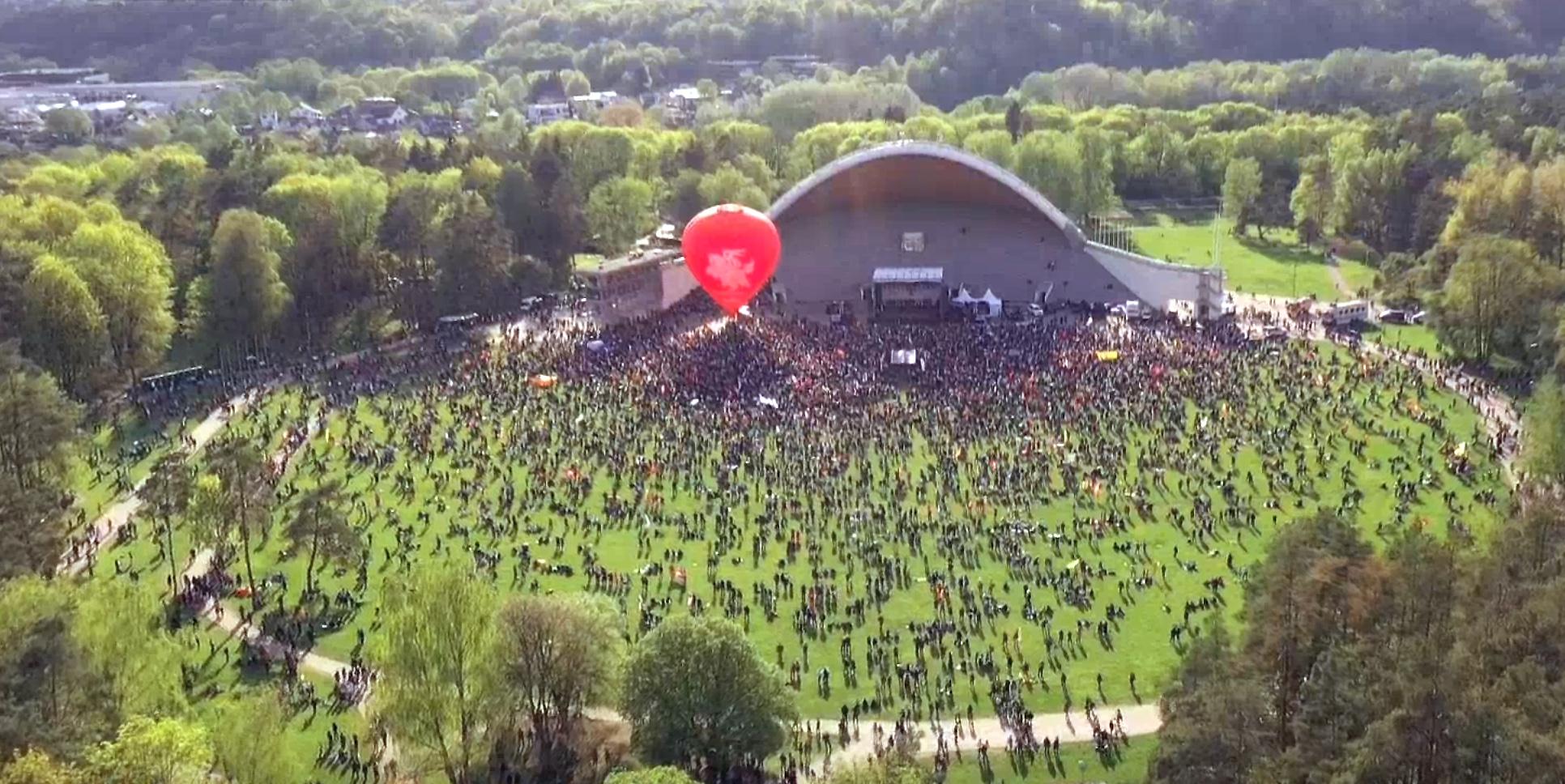 """""""Šeimos gynimo maršo 2021"""" mitingas Vilniaus Vingio parke   Alkas.lt nuotr."""
