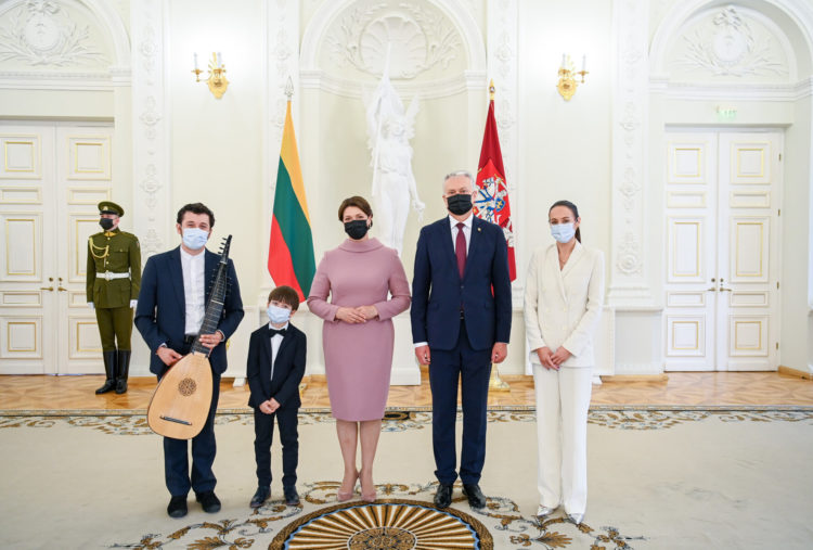 Apdovanojimai Prezidentūroje Tėvo dienos proga   R. Dačkaus nuotr., lrp.lt