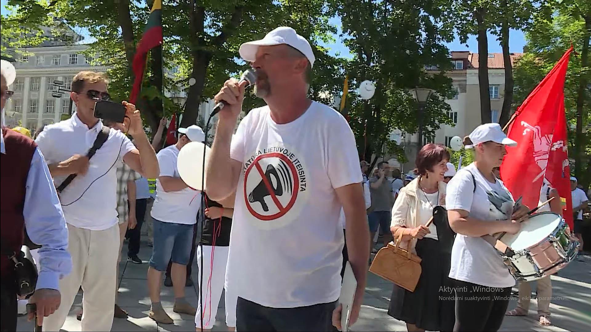 Šeimos gynėjų protesto akcija prie Vyriausybės | Alkas.lt nuotr.