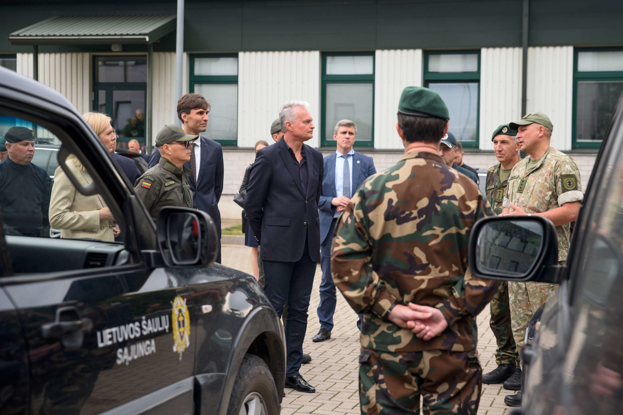 Prezidentas lankosi Valstybės sienos apsaugos tarnybos Vilniaus rinktinės būstinėje   lrp.lt, J. Auškelio nuotr.